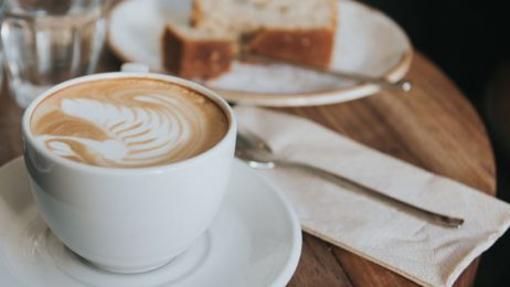 http://fertotavihajoutak.hu/wp-content/uploads/2018/03/il-cortile-kaffee-kuchen-820x466-462x260.jpg